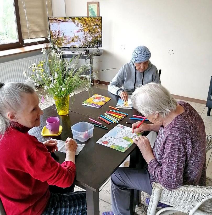 Творчество для больных с деменцией в пансионате Домашний Уют в СПб