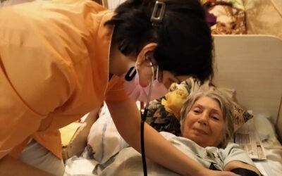 Контроль здоровья у лежачих пожилых людей в пансионате Домашний Уют Санкт-Петербург