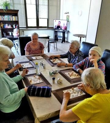 Пансионат «Домашний Уют» в СПб для больных деменцией. Проживание и уход.